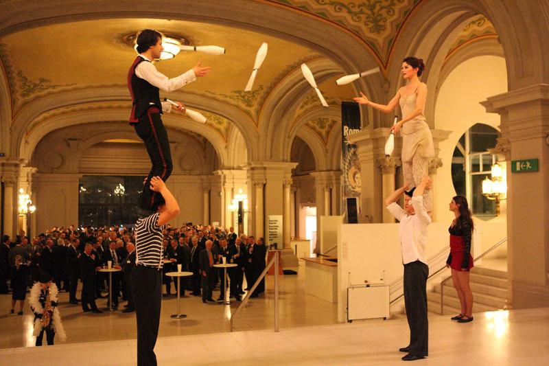 ensemble equilibre Show für Audi im MNAC Barcelona